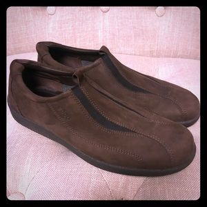 **LIKE NEW** ECCO Suede Loafers